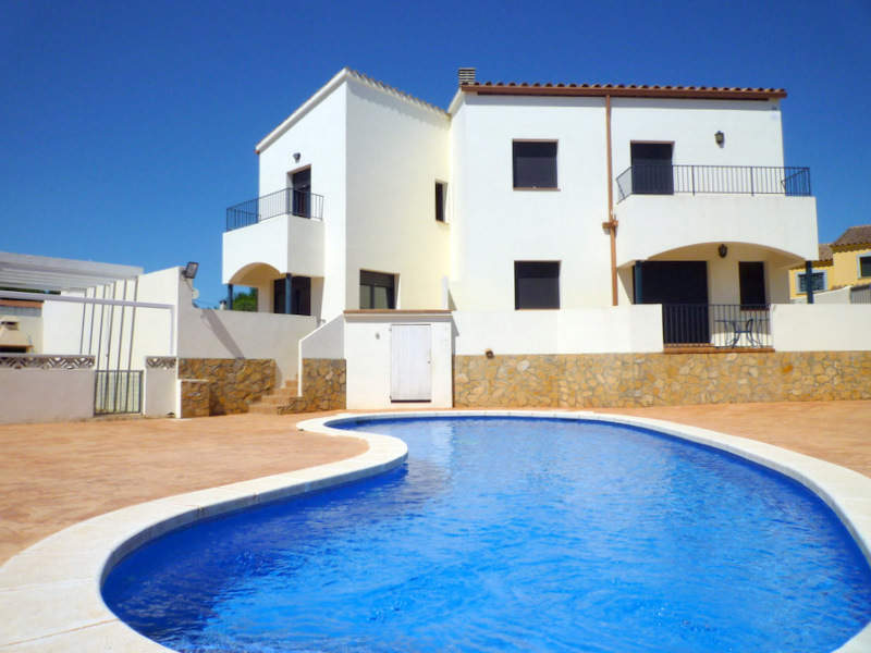 House -                                       L'escala -                                       3 bedrooms -                                       6/8 persons
