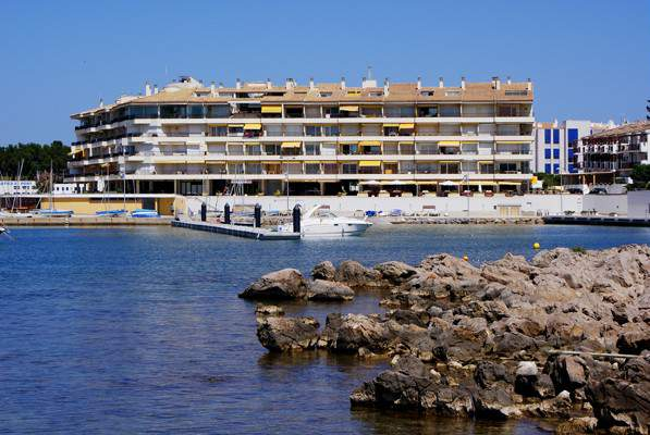 Apartment -                                       Port Escala -                                       0 bedrooms -                                       2 persons