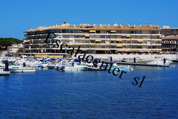 Apartment -                                       L'escala -                                       2 bedrooms -                                        persons