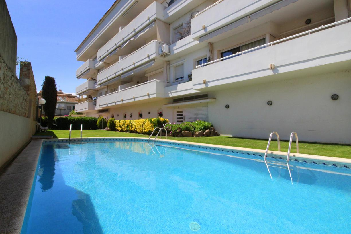 Apartment -                               L'escala -                               3 bedrooms -                               0 persons