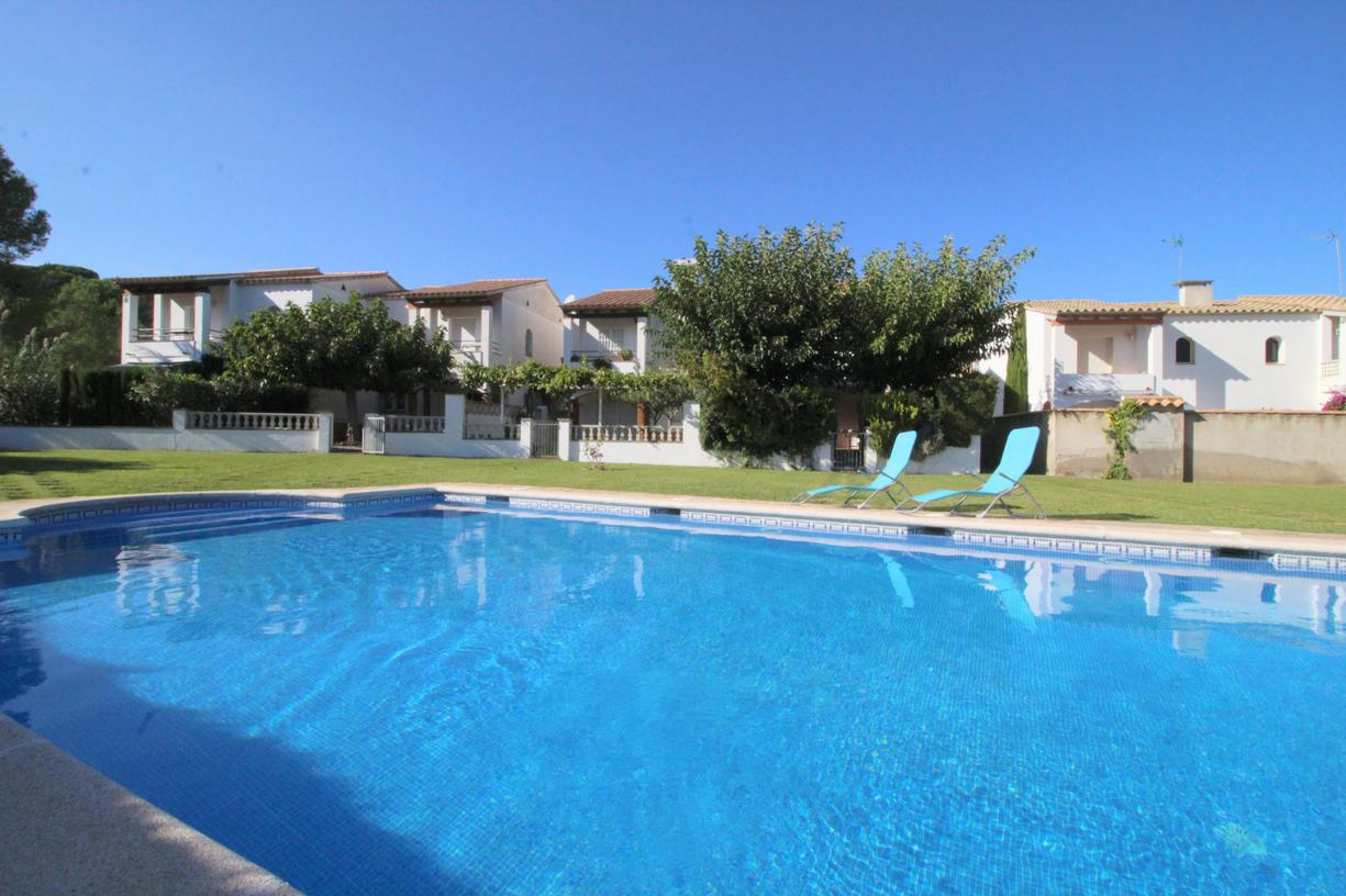 House -                                       L'escala -                                       3 bedrooms -                                       6 persons
