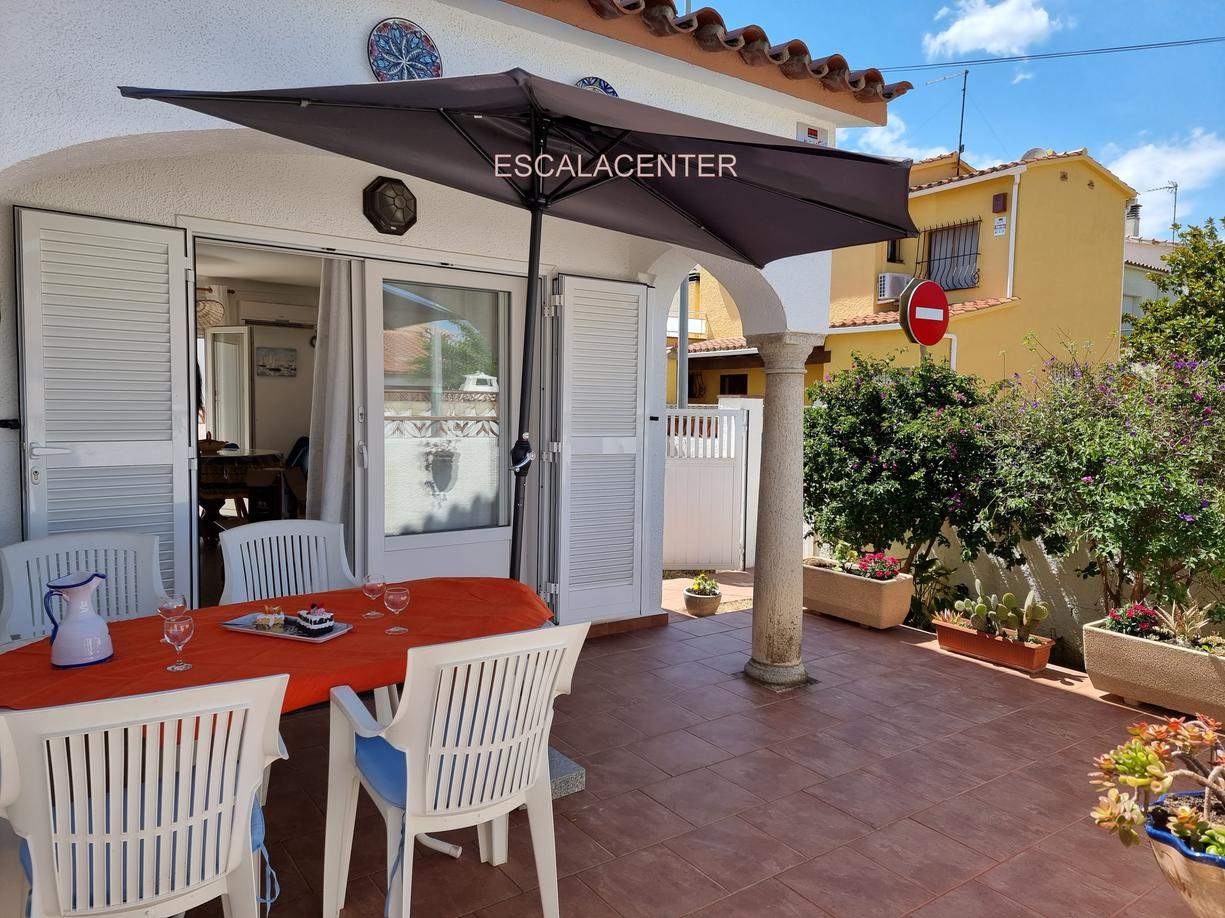 House -                                       Casa -                                       2 bedrooms -                                       4 persons